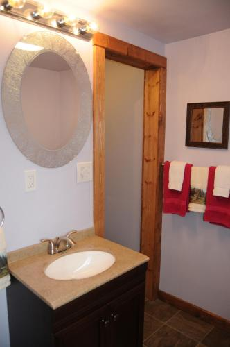 Yellowstone Self Catering Lodging - Adults Only Photo