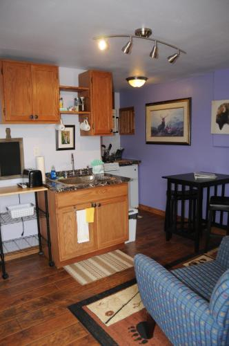 Yellowstone Self Catering Lodging Photo