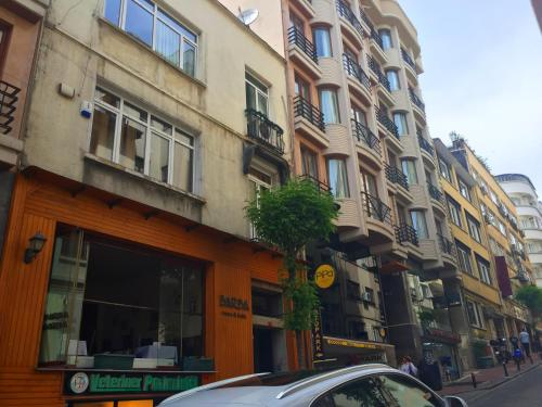 Istanbul Suleyman Nazif Apartment how to go