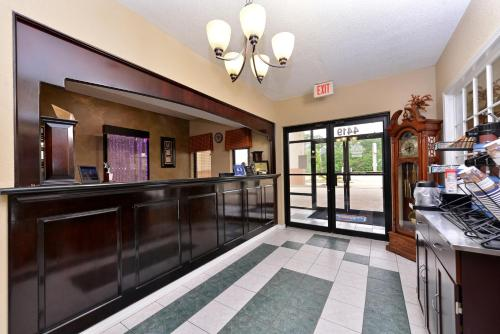 Best Western Inn Monroeville Photo