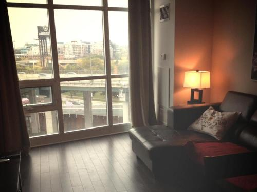 By the Lake Suite - City View Photo