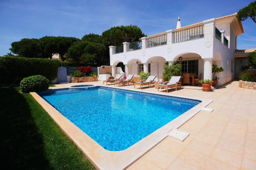 holidays algarve vacations Almancil Villa Delmar