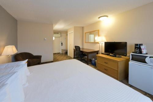 Riviera City Centre Inn Downtown Prince George - Prince George, BC V2L 2K8