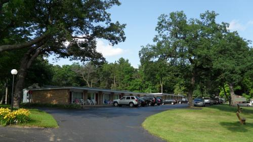Indian Trail Motel Photo