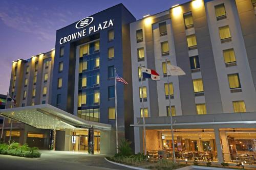 Crowne Plaza Airport Photo