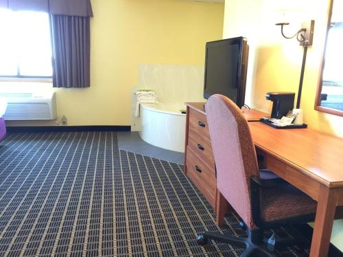 Quality Inn & Suites Harrington Photo