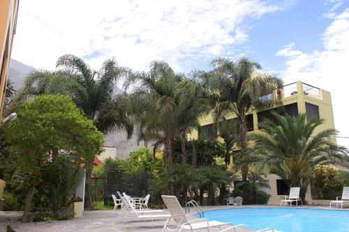 Hotel Embassy Jardin Lunahuana Photo