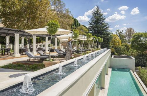 Four Seasons Hotel The Westcliff Photo