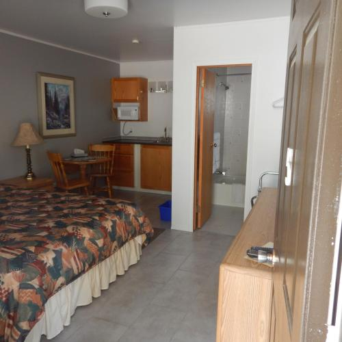 Springbrook Resort Motel & Cabins Photo