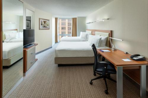 SpringHill Suites Chicago Downtown/River North photo 8