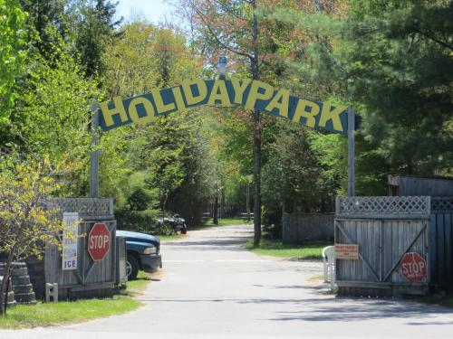 Holiday Park Tent And Trailer Campground