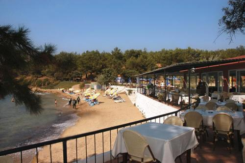 book Ozdere Rainbow Bay Ozdere Beach Hotel