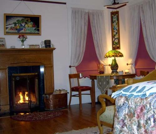 Photo of Starlight Pines Bed and Breakfast Hotel Bed and Breakfast Accommodation in Flagstaff Arizona