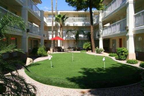 Red Lion Inn & Suites Phoenix - Tempe Photo