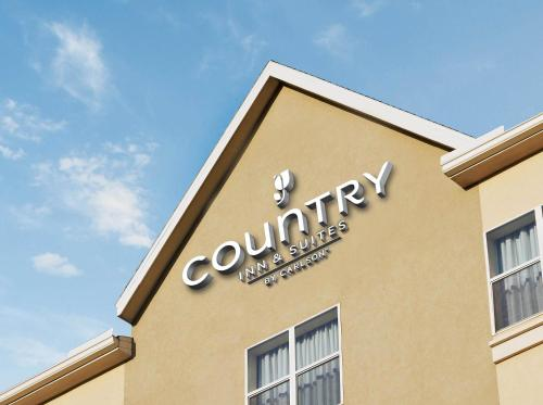 Photo of Country Inn & Suites Clarksville hotel in Clarksville