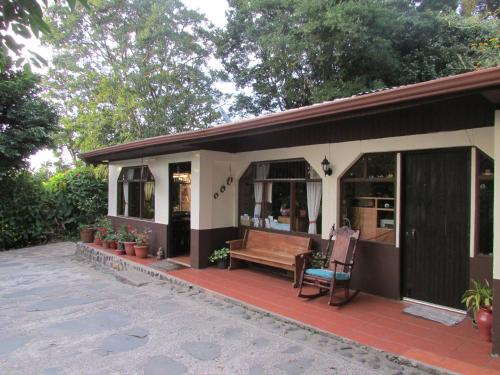 Mariposa Bed and Breakfast Photo