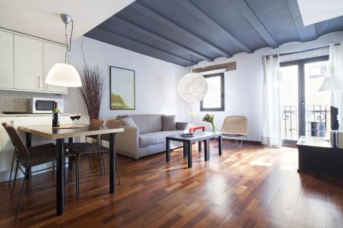 Inside Barcelona Apartments Esparteria photo 35