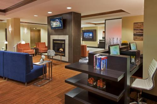 Courtyard by Marriott Toronto Airport photo 6