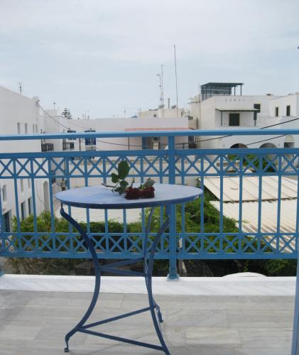 Very-Kokkos Pension 2 - naxos -