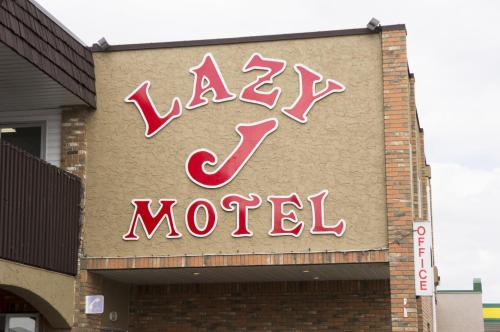 Lazy J Motel Photo