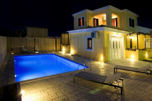 Anthemis Luxury Villas