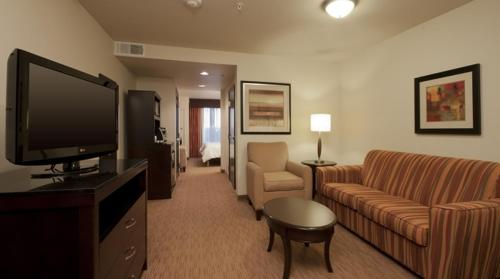 Hilton Garden Inn Oklahoma City Midtown Photo