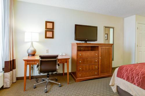 Comfort Inn Muskogee Photo