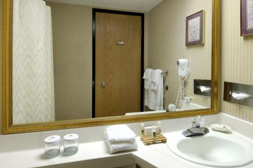 Red Lion Inn & Suites Fort Collins Photo