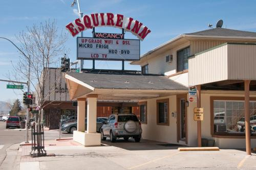 Esquire Inn Photo