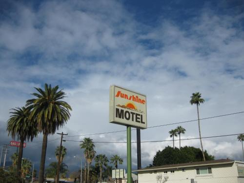 Sunshine Motel Photo