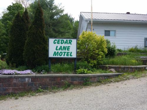 Cedar Lane Motel (Bed and Breakfast)