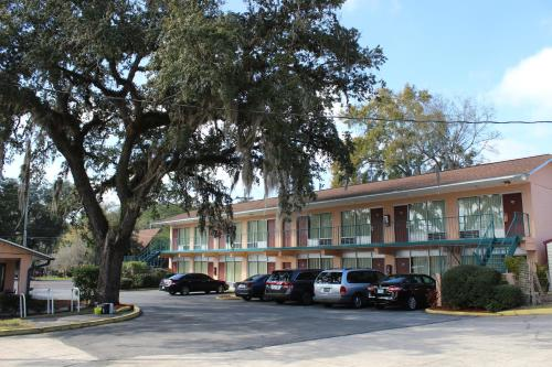 Travelers Inn Gainesville Photo
