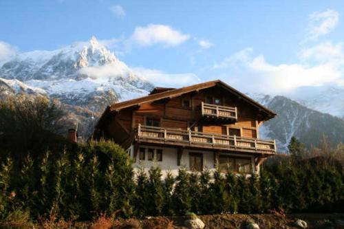 6 BEDROOM CHALET CHARLANON