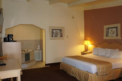 Americas Best Value Inn & Suites Oroville Photo