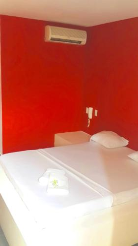 Hotel Red Room Photo
