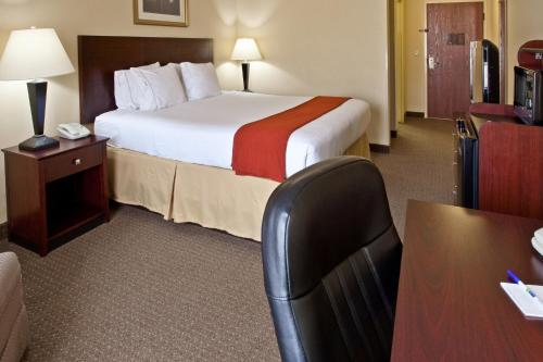 Holiday Inn Express Sebring Photo
