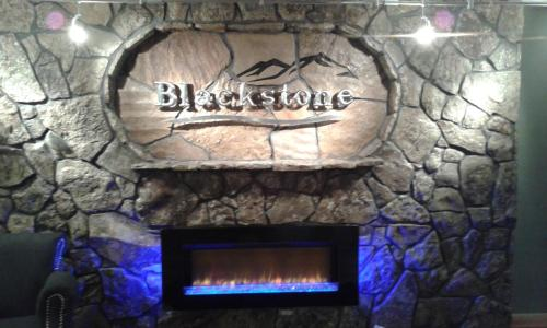 Blackstone Lodge and Suites Photo