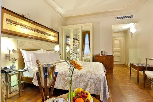 Istanbul Taxim Lounge Hotel phone number