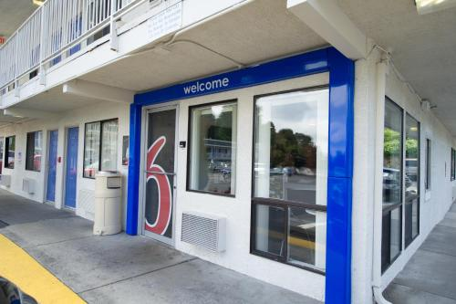Motel 6 Seattle Airport Photo