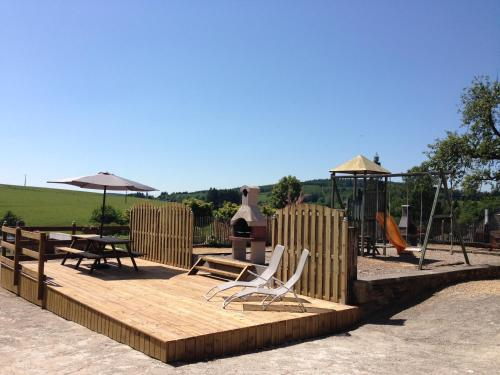 Le Fenil Holiday Home, Tenneville