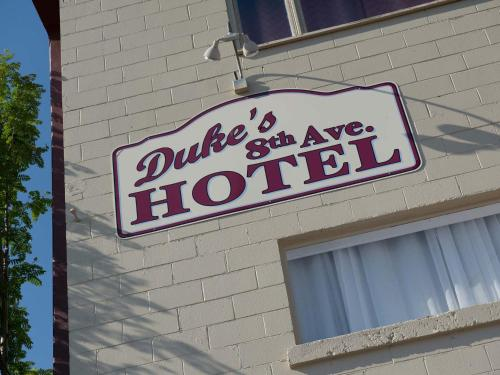 Duke's 8th Avenue Hotel Photo