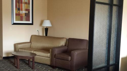 Comfort Suites Jewett Photo