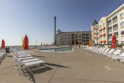 Cedar Point Hotel Breakers Photo