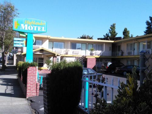 Highlander Motel Photo