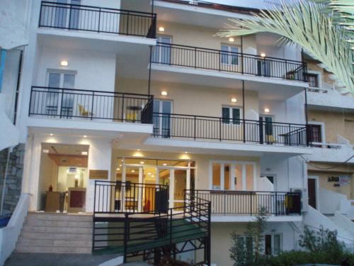 Haris Apartments - Eleftheriou Venizelou Street Greece