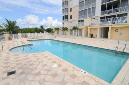 Pascoli Waterfront Vacation Condo Photo