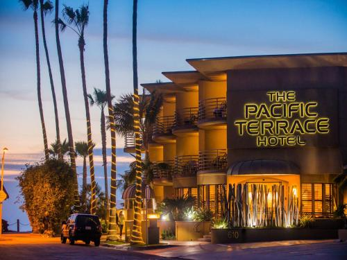 Pacific Terrace Hotel Photo