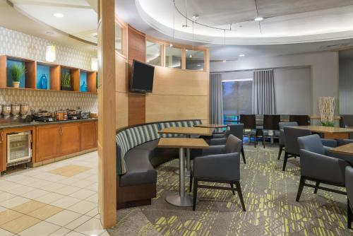 SpringHill Suites Richmond Northwest photo 2
