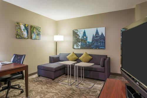 SpringHill Suites Richmond Northwest photo 16