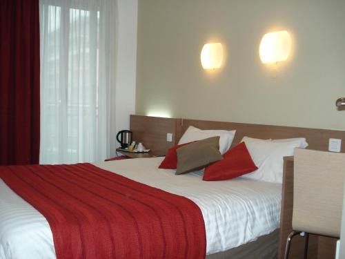 Kyriad Hotel Paris Bercy Village photo 10